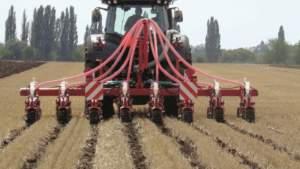 Due nuovi modelli pieghevoli, da 4,5 e 6 metri, per il coltivatore a bande Kultistrip.