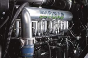 A differenza di New Holland, monta un Valtra ciclo Diesel che usa biogas non raffinato.
