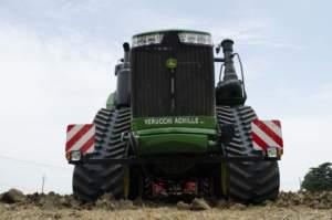 Il 9RX già al lavoro nelle campagne della Bassa emiliana.