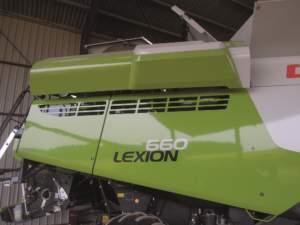 Nuovo motore delle Lexion 600: a sinistra radiatore e apertura superiore, a destra le feritoie laterali per l'uscita dell'aria.