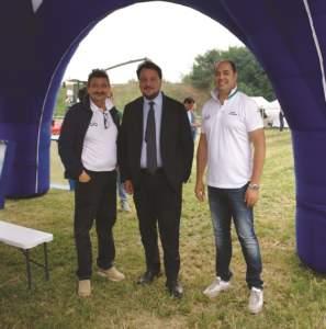 Da sinistra: Paolo Fogagnolo di Trelleborg, l'assessore lombardo Gianni Fava e Marco Mazzaferri, al vertice di Fendt in Italia.