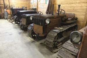Alcuni dei trattori della collezione.